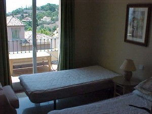 laquintaspare-bedroom1