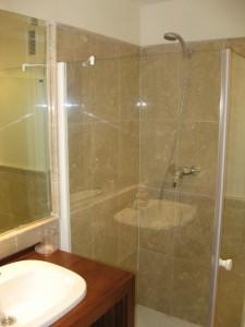 campanarion-bathroom2-225x300